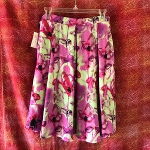 LulaRoe Madison Floral Pleated Flare Skirt Pockets